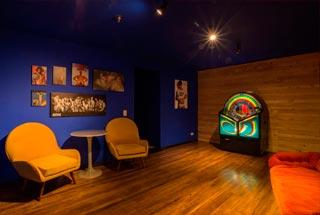 Sauna-Homo-Bar-bar-discoteca-de-rumba-gay-en-la-ciudad-de-Bogota-Colombia-1