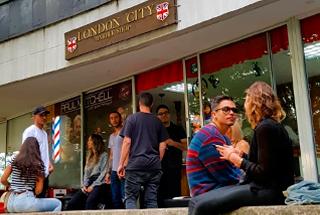 Londn-City-Barber-shop-en-Medellín-6