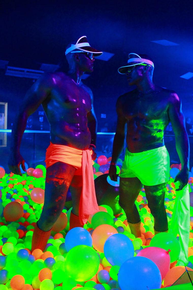 Flowers Auditorium Medellín guia gay (22)
