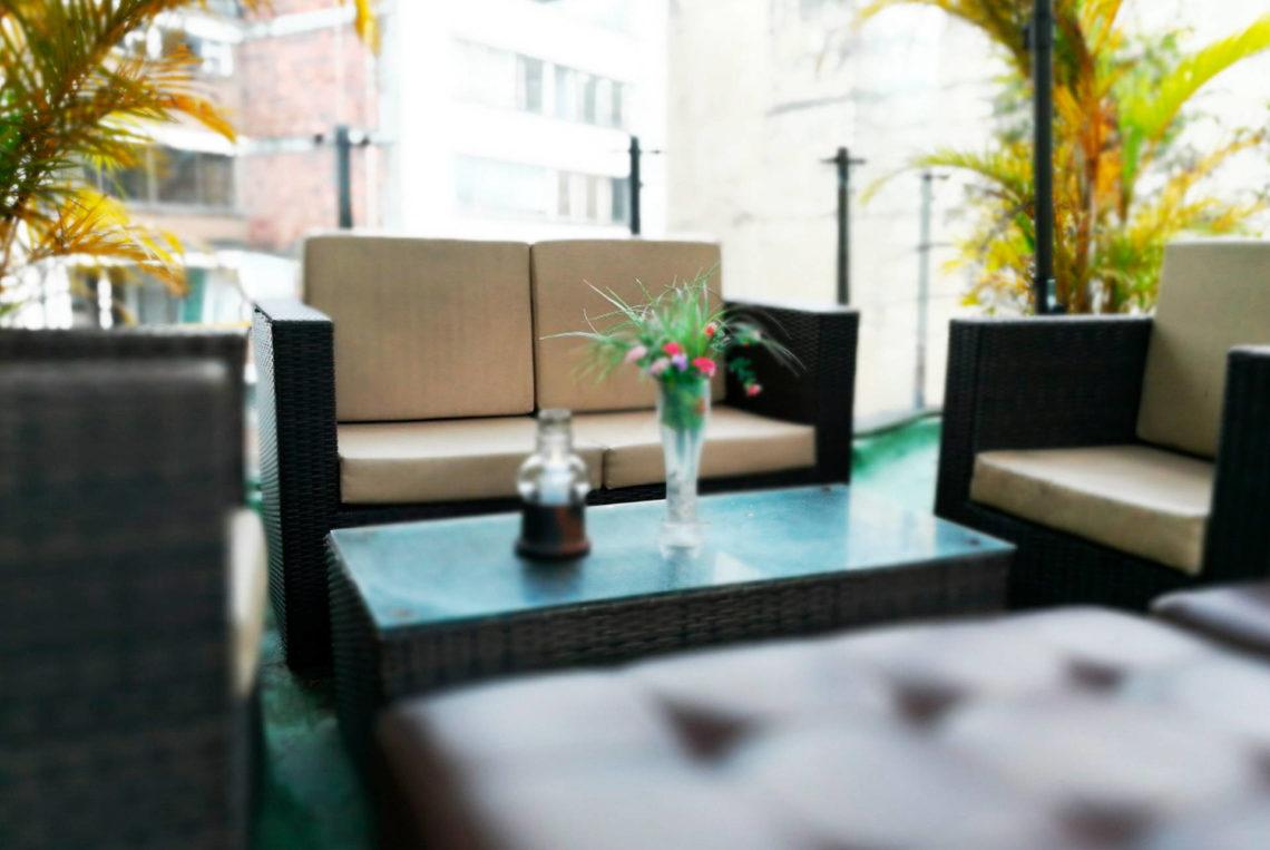 3-estacion-cafe-terraza-hotel-san-sebastian-bogota-chapigay-cafe-gay-universidad-konrad-lorenz-1920x1285