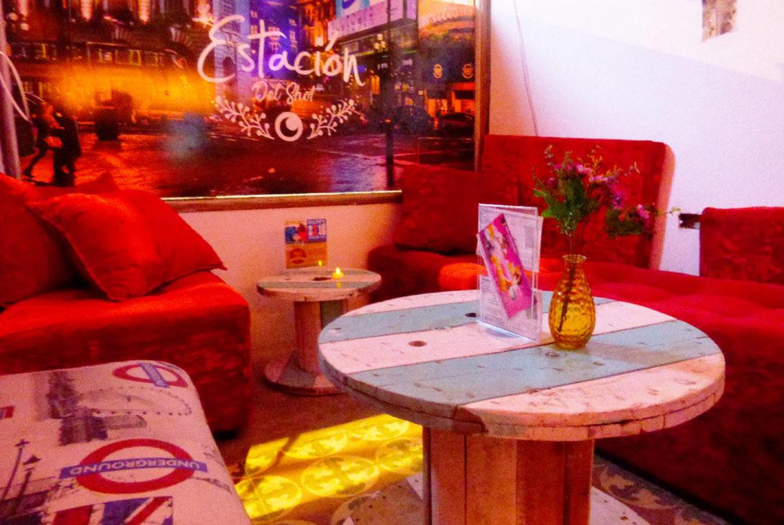 4-estacion-del-shot-bogota-colombia-bar-gay-chapinero-la-estacion-guia-gay-chapigay-mejores-bares-gay-cafe-que-hacer-en-bogota-el-cuento-planes-romanticos-1920x1285
