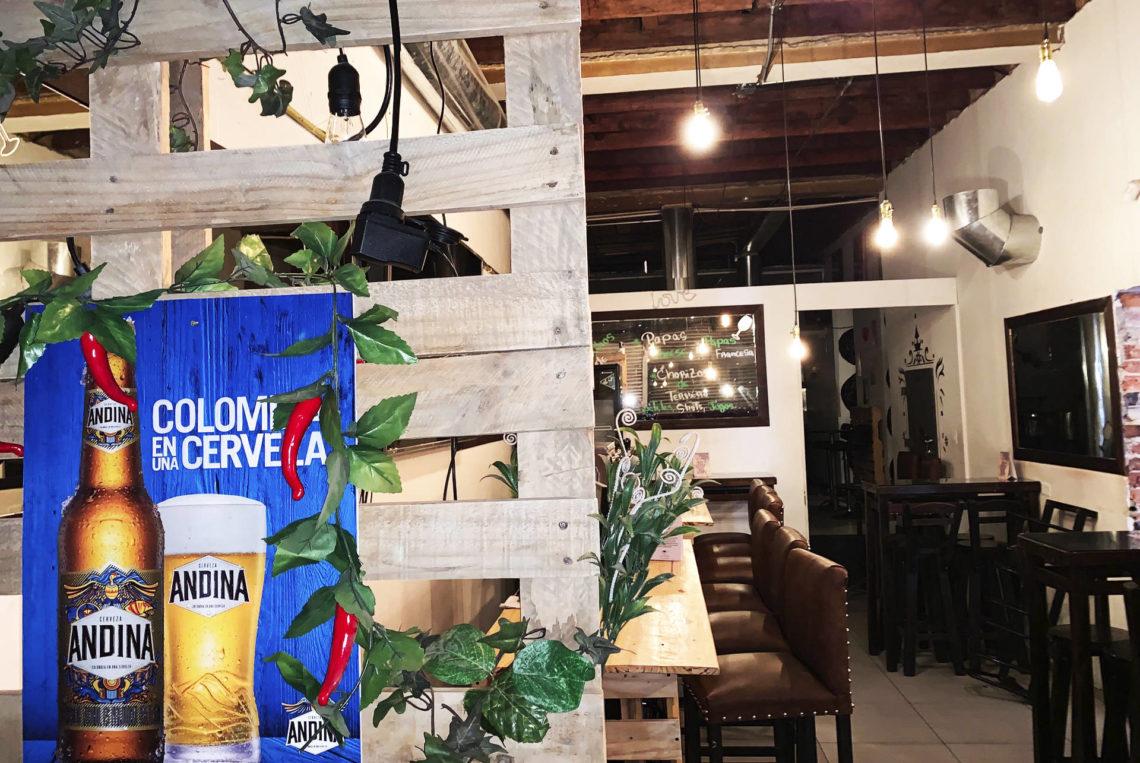 4-estacion-la-fabrica-bogota-colombia-bar-gay-chapinero-la-estacion-guia-gay-chapigay-mejores-bares-gay-cafe-que-hacer-en-bogota-el-cuento-planes-romanticos-cerveza-artesan